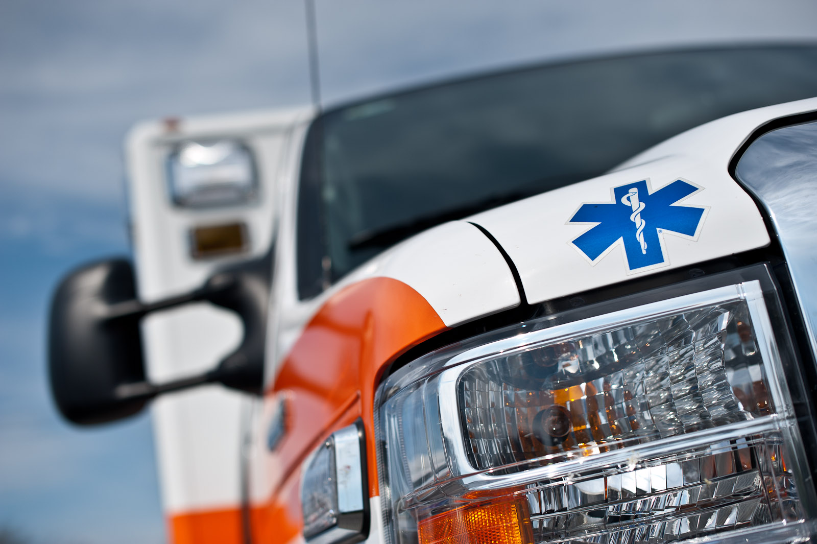 Learn about Ambulance and EMS Vehicle Lighting Options